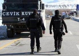 Van Büyükşehir Belediyesi'ne operasyon yapıldı