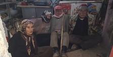 YPG/PKK terrorist tie up old villagers, plant landmines
