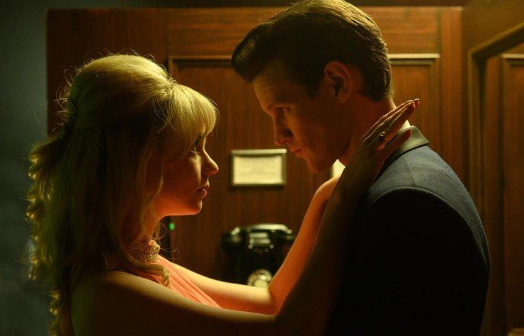 """Anya-Taylor Joy, 12 Kasım'da vizyona girmesi beklenen yeni filmi Last Night in Soho'nun soundtrack'i """"Downtown""""u seslendirdi."""