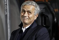 Mourinho describes himself as 'the worst manager in the history of football'  after recent criticism