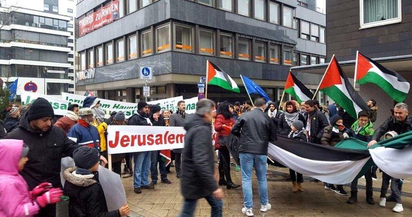 ABD'nin Kudüs kararı Almanya'da protesto edildi