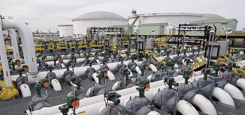 CANADA WILLING TO BACK CONTROVERSIAL PIPELINE