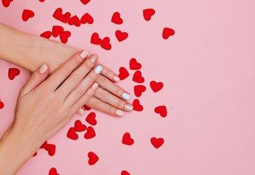 Sevgililer Günü için etkileyici nail art seçenekleri