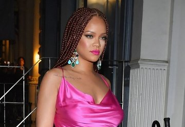 Rihanna New Yorkta Fenty mağazasını açtı