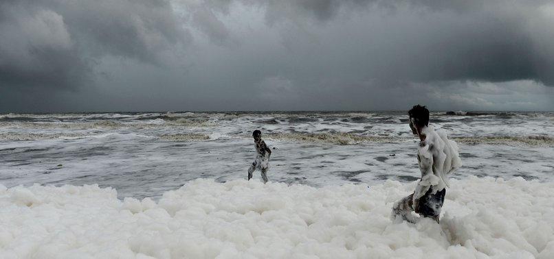 TOXIN-LACED BUBBLES CAUSE POLLUTION HAZARD ON INDIAN BEACH