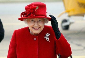 Buckingham Sarayı'ndan beklenen Kraliçe II. Elizabeth açıklaması: Kraliçe'nin günlük programında birtakım değişikliler yapılıyor