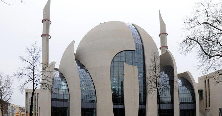 Almanya, Türkiye'den 350 imamın gelmesine onay verdi