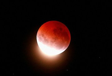 Süper Kanlı Ay Tutulması burçları nasıl etkileyecek?