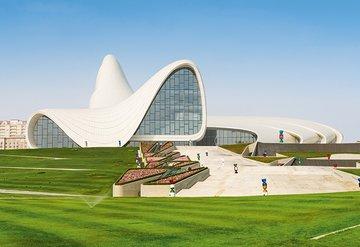 Kimliğini kaybetmeden modernleşen bir şehir: Azerbaycan