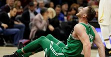 Hayward return this season unlikely after surgery - agent