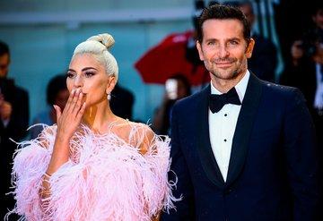 Lady Gagadan Bradley Coopera tam destek!