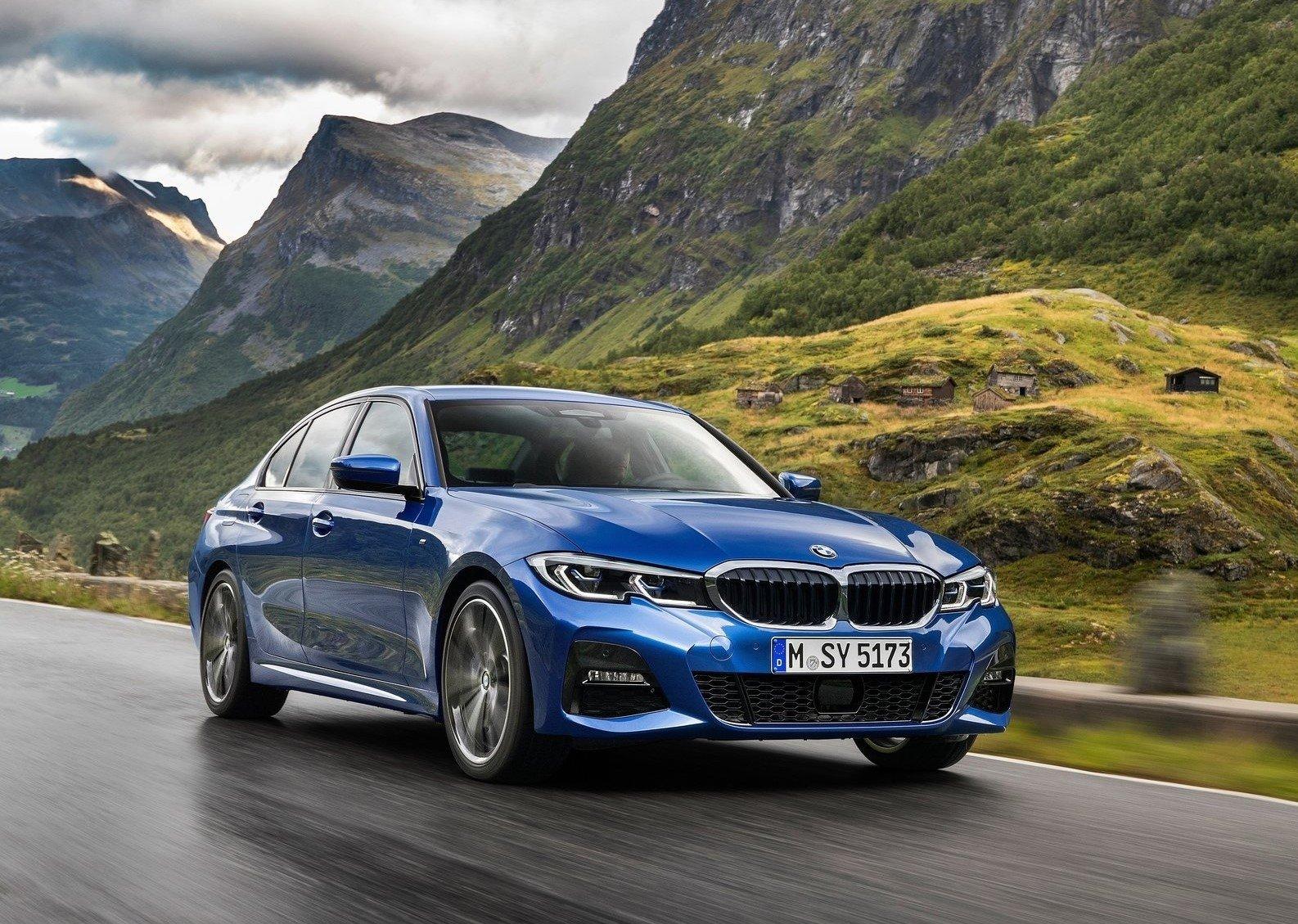BEKLENEN HAMLE: YENİ BMW 3 SERİSİ