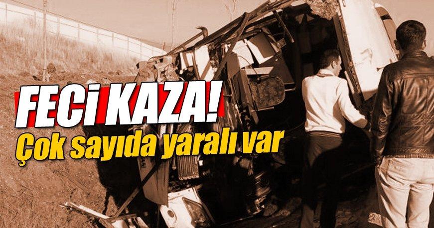 Afyonkarahisar'da otobüs ile kamyon çarpıştı: 32 kişi yaralandı