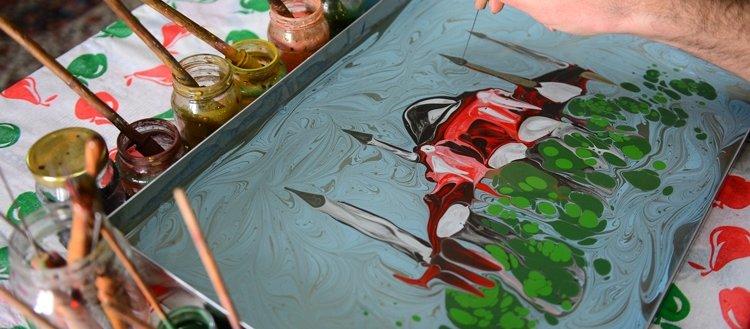 Mardinli ressam sanatını suya yansıtıyor
