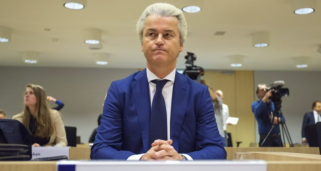 Dutch far-right Party for Freedom (PVV) leader Geert Wilders sits in a courtroom of the courthouse in Schiphol, the Netherlands March 18, 2016. (REUTERS Photo)