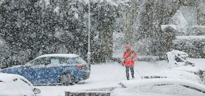 THOUSANDS WITHOUT POWER IN UK DUE TO BLUSTERY WINDS