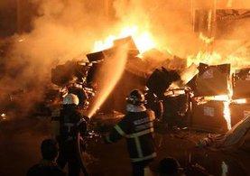 Kartepe'de büyük fabrika yangını
