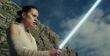 'Star Wars: The Last Jedi' wins reviews for 'freshness' and 'emotional power'