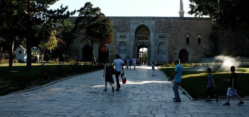 VISITORS THRONG MUSEUMS, HISTORIC SITES IN TURKEY