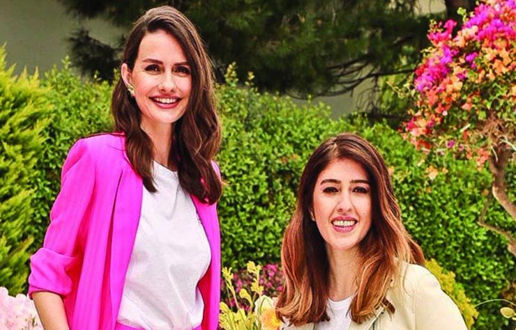 Cemiyet hayatının stil sahibi isimlerinden Yasemin Özilhan, Ipekyol için hazırladığı yaz koleksiyonunu evinde verdiği şık bir davet ile tanıttı.