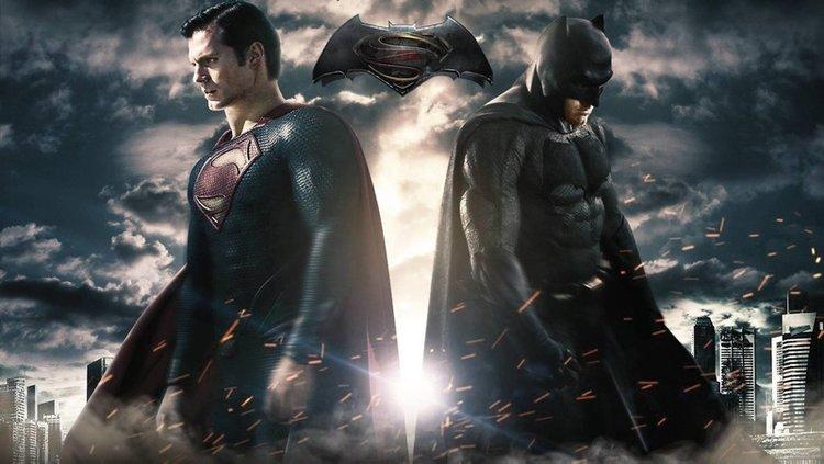 En sevilen kahraman: Süperman mi Batman mi?