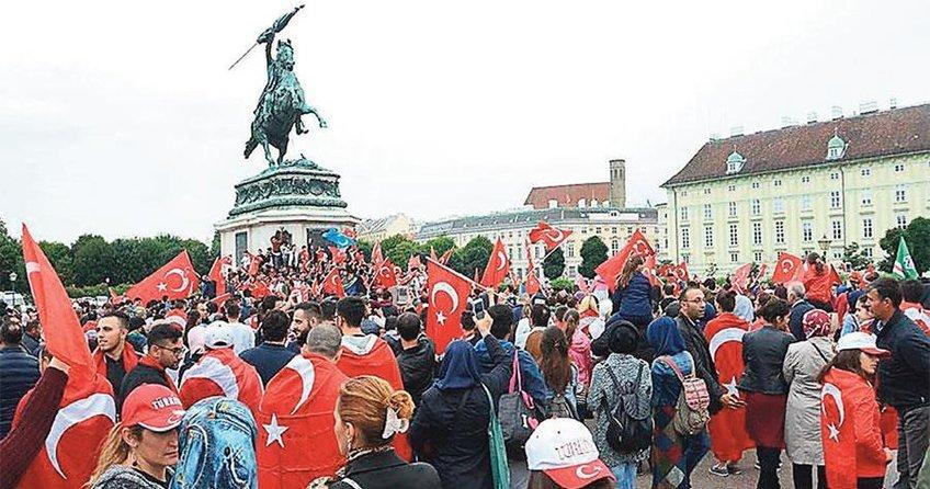 18 bin 500 Türk'e sınırdışı tehdidi