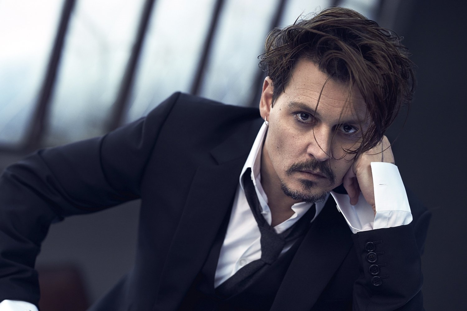 JOHNNY DEPP'İN EVİNE HIRSIZ GİRDİ