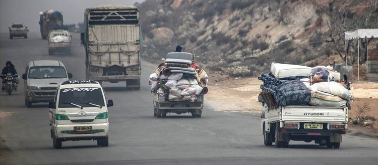 İdlib'de son iki haftada 235 binden fazla sivil yerinden edildi