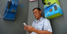 Thailand orders phone users in south to submit photos