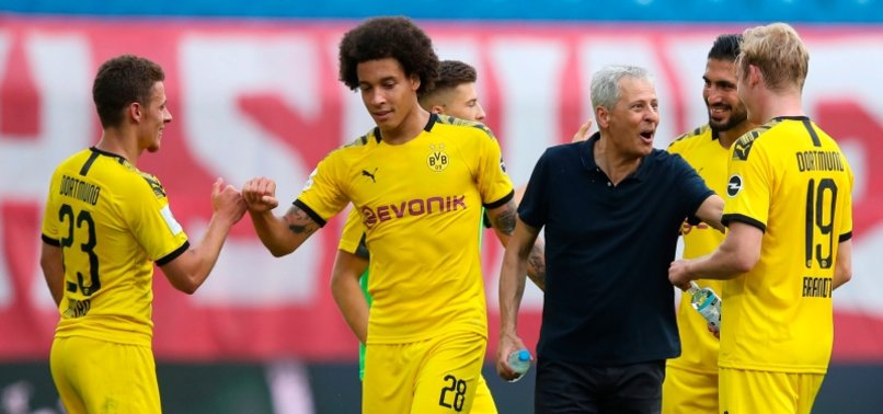 DORTMUND CONFIRMS FAVRE TO STAY AS COACH FOR NEXT SEASON