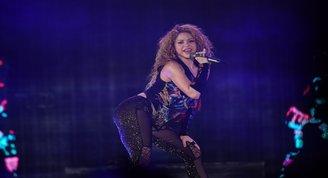 Shakiranın dünya turnesi film oluyor