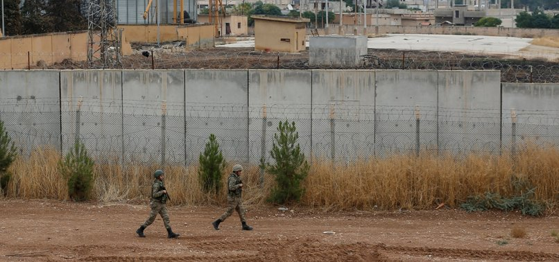 18 SUSPECTED REGIME FORCES CAPTURED IN SYRIAS RAS AL-AYN