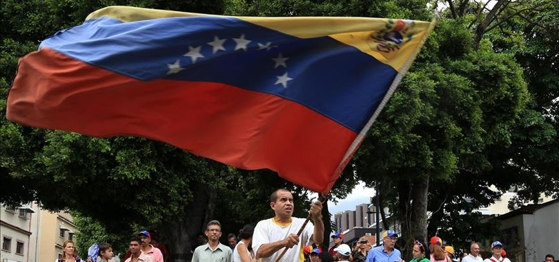 VENEZUELAN GOVERNMENT, OPPOSITION START TALKS: REPORT