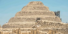 Archaeologists discover mummification workshop near Egypt's pyramids
