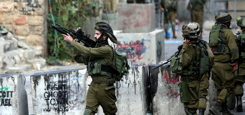 ISRAELI ARMY DETAINS 16 PALESTINIANS IN W. BANK RAIDS