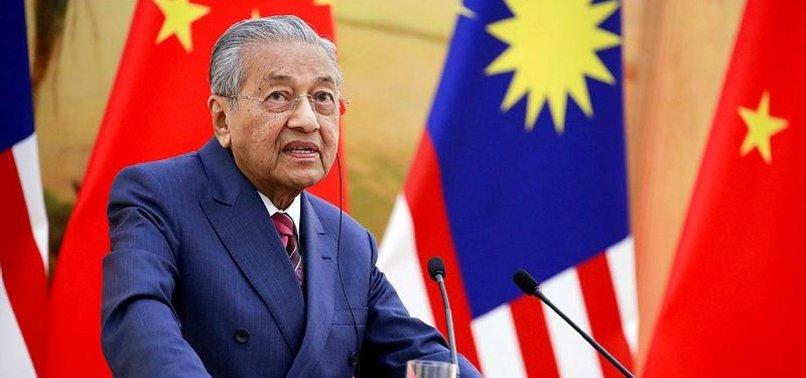 MALAYSIAS MAHATHIR GRANTED LIFETIME ACHIEVEMENT AWARD