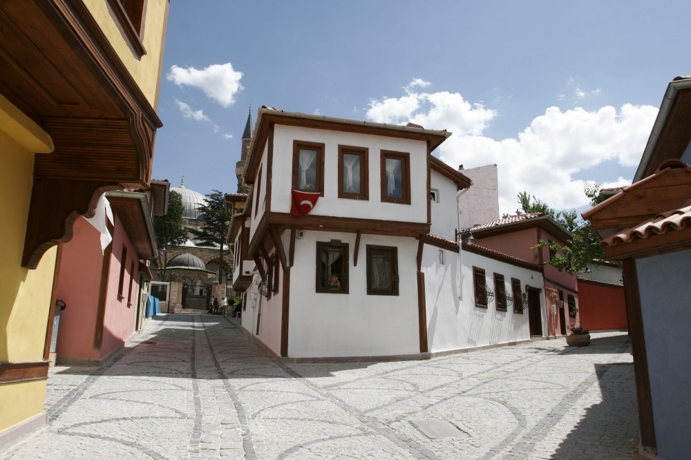 Being the first place in Turkey to be included in the world heritage list on the city level together with Istanbul, Safranbolu has also been listed as one of the best preserved 20 cities.