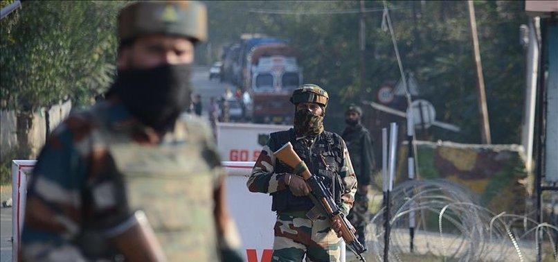 BOMB BLAST IN JAMMU KASHMIR KILLS 4 INDIAN POLICEMEN