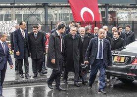 Erdoğan hain saldırının gerçekleştiği olay yerinde inceleme yaptı
