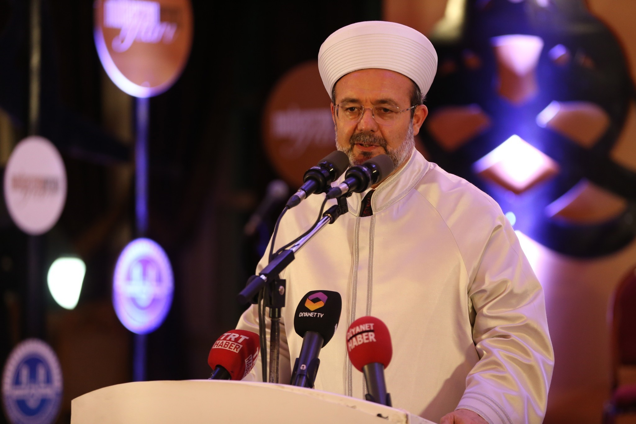 Mehmet Gu00f6rmez, the head of The Presidency of Religious Affairs, speaks at the the Eurasia Islamic Council meeting in Istanbul. (AA Photo)