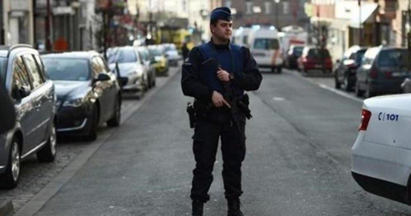 Brüksel'de bomba patladı