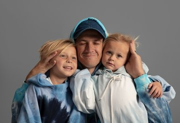 GAP'te en cool babalara ikonik şıklık