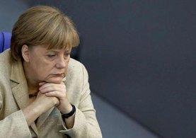 Merkel'den 'referandum' mesajı