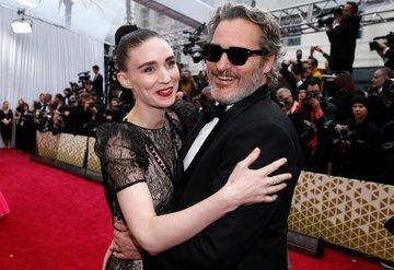 Oscar 2020nin kırmızı halı çiftleri