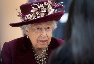 Kraliçe Elizabeth seyahat planlarını iptal etti