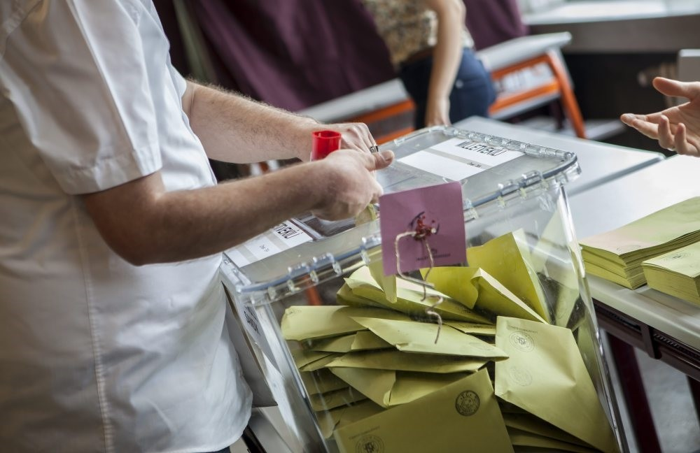 If Parliament approves all articles in the constitutional amendment package, the Turkish people will go to ballots to cast their votes in a referendum.