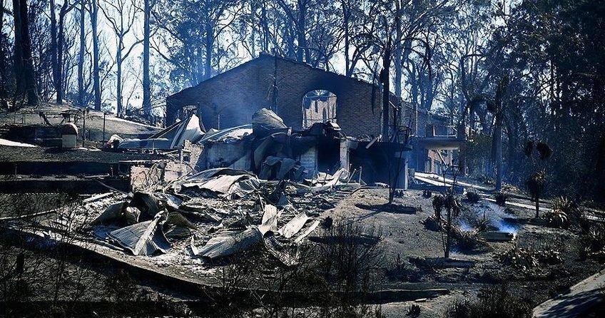 Avustralyadaki yangınlarda 88 ev yandı