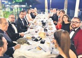 Antalya'da yıldızların bol kahkahalı gecesi
