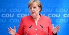 Angela Merkel gets 2-week deadline in German migrant row