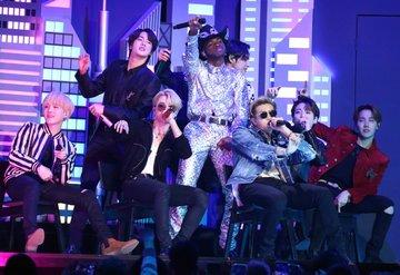 BTS Billboard 200 listesinde zirveden inmiyor